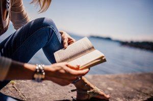 Hyviä kirjoja lukijoille